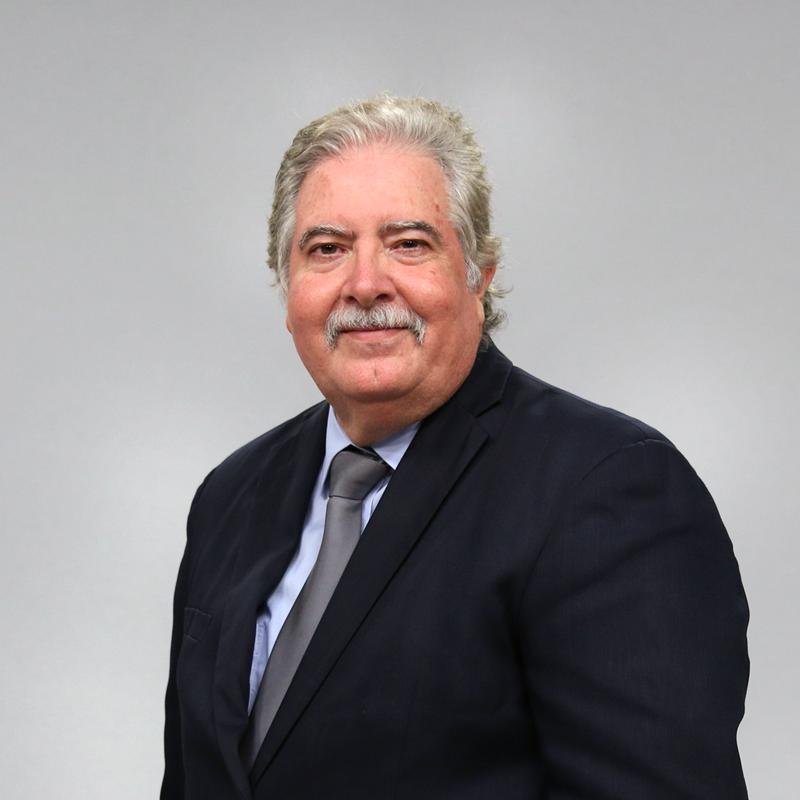Dr. Benjamín Colucci Ríos